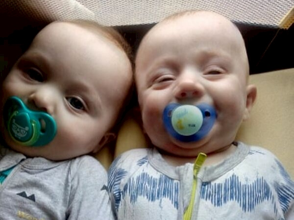 twins in different hospitals