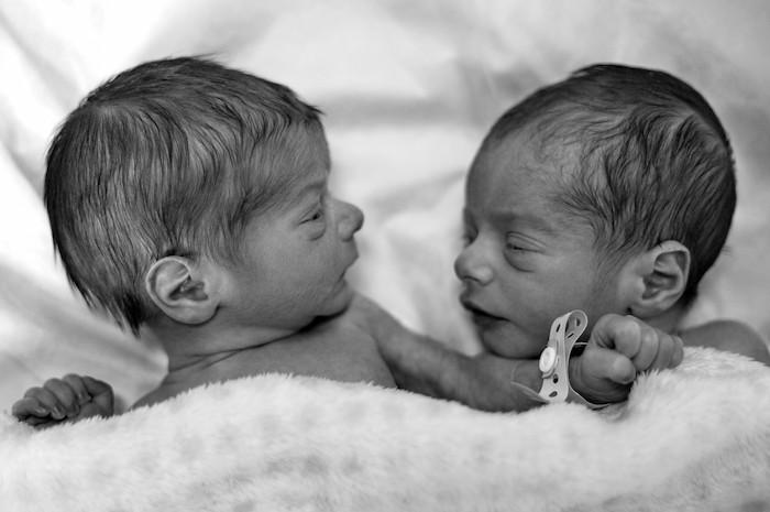 mixing up newborn twins